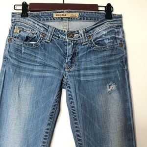 Big star jeans size 26L distressed hole on thigh